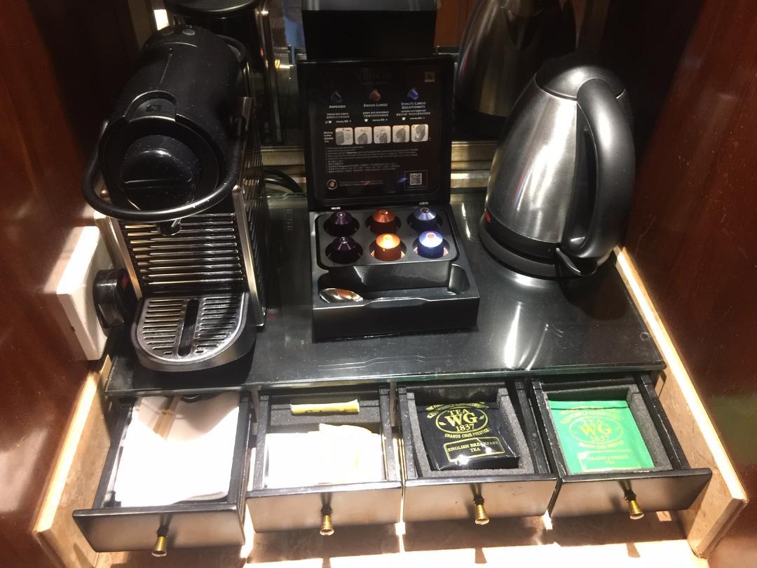 Nespresso Coffee maker, capsules and Tea Sachets