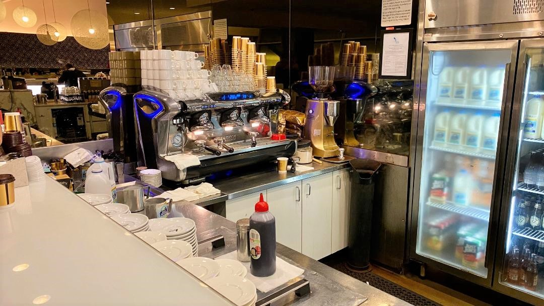 Cafe, Qantas Domestic Business Lounge - Sydney Airport