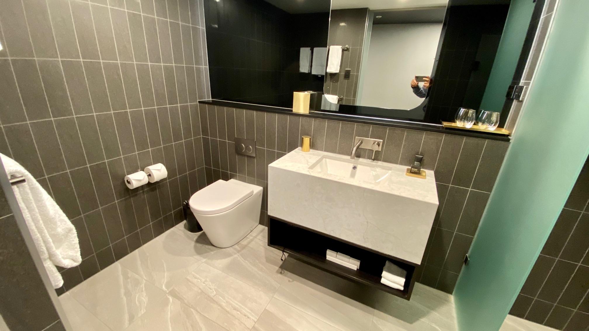 Bathroom, Midnight Hotel Canberra