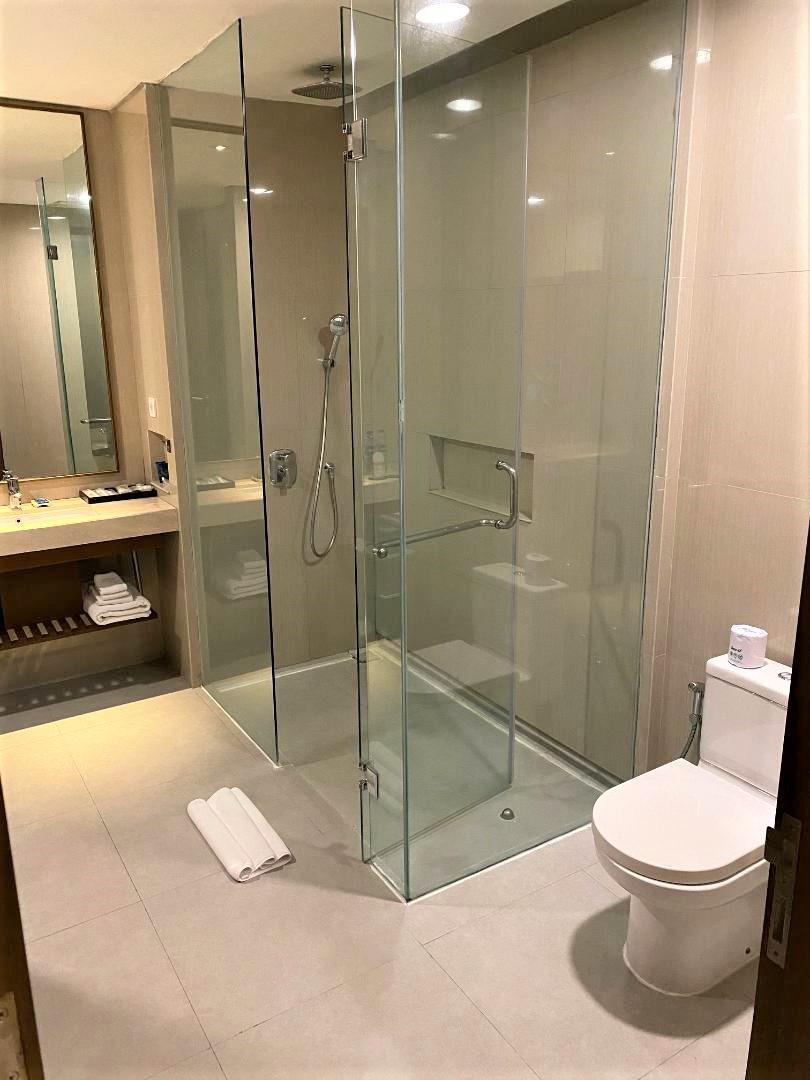 Bathroom, Four Points by Sheraton Bali, Seminyak