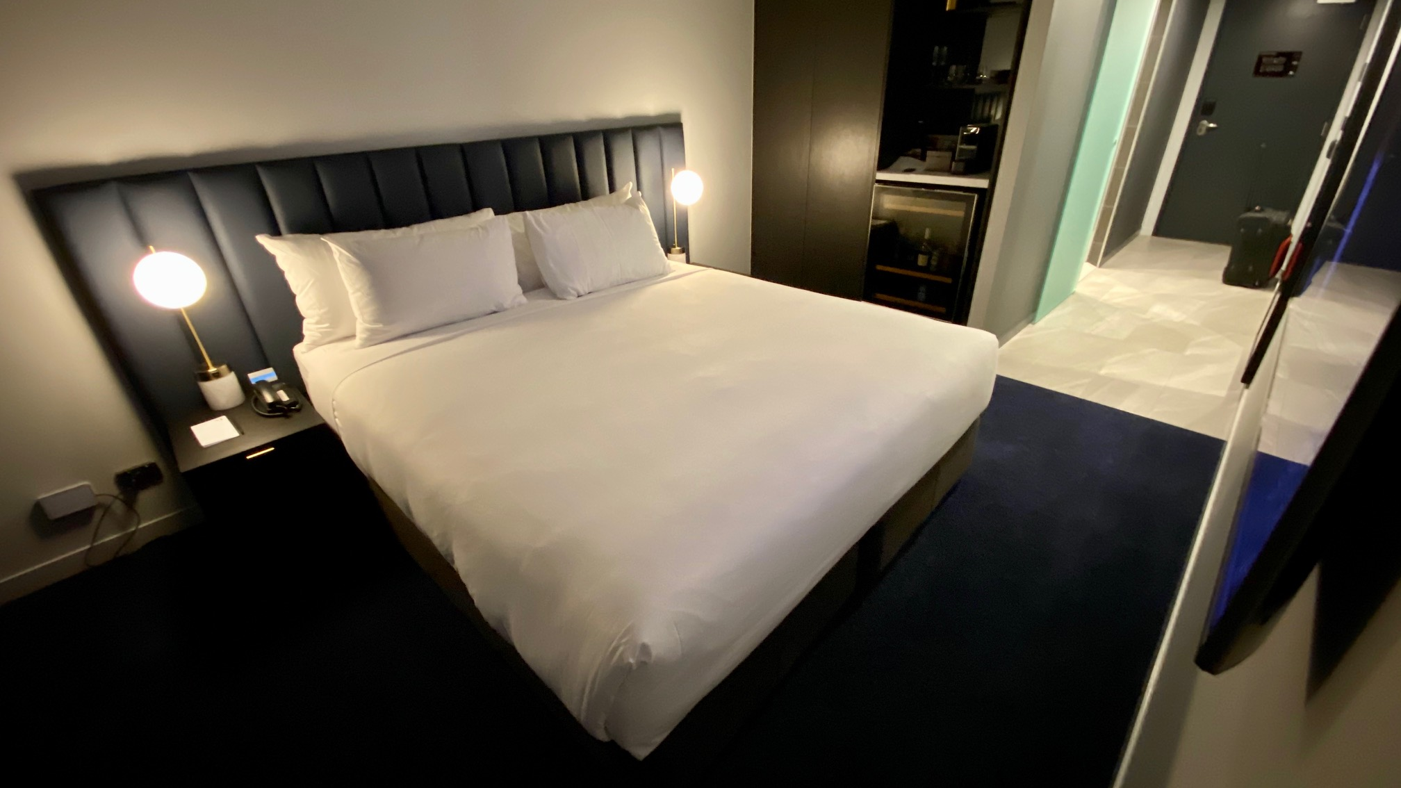 King Bed, Midnight Hotel Canberra