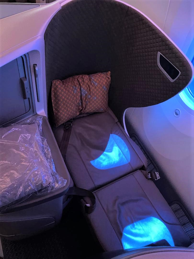 Bed mode, Singapore Airlines B787-10 Business Class Seat