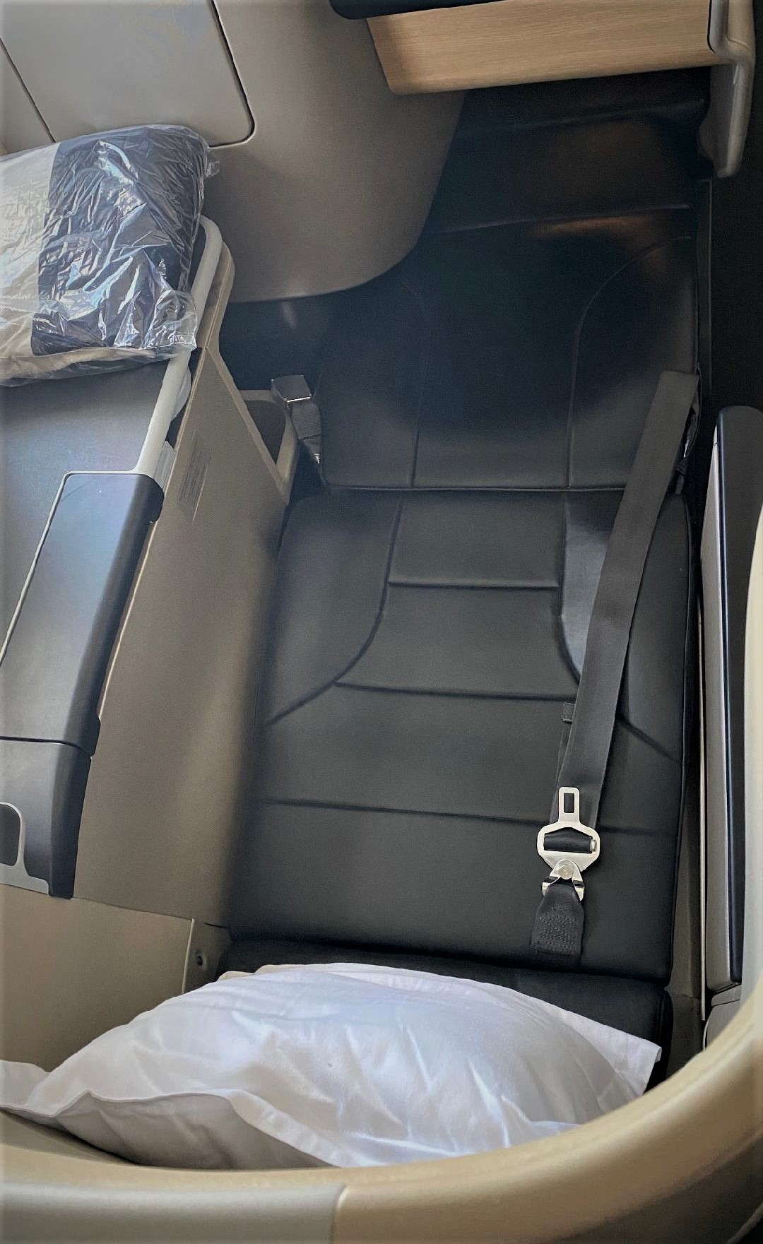Qantas A-330 Business Class Seat, Bed mode