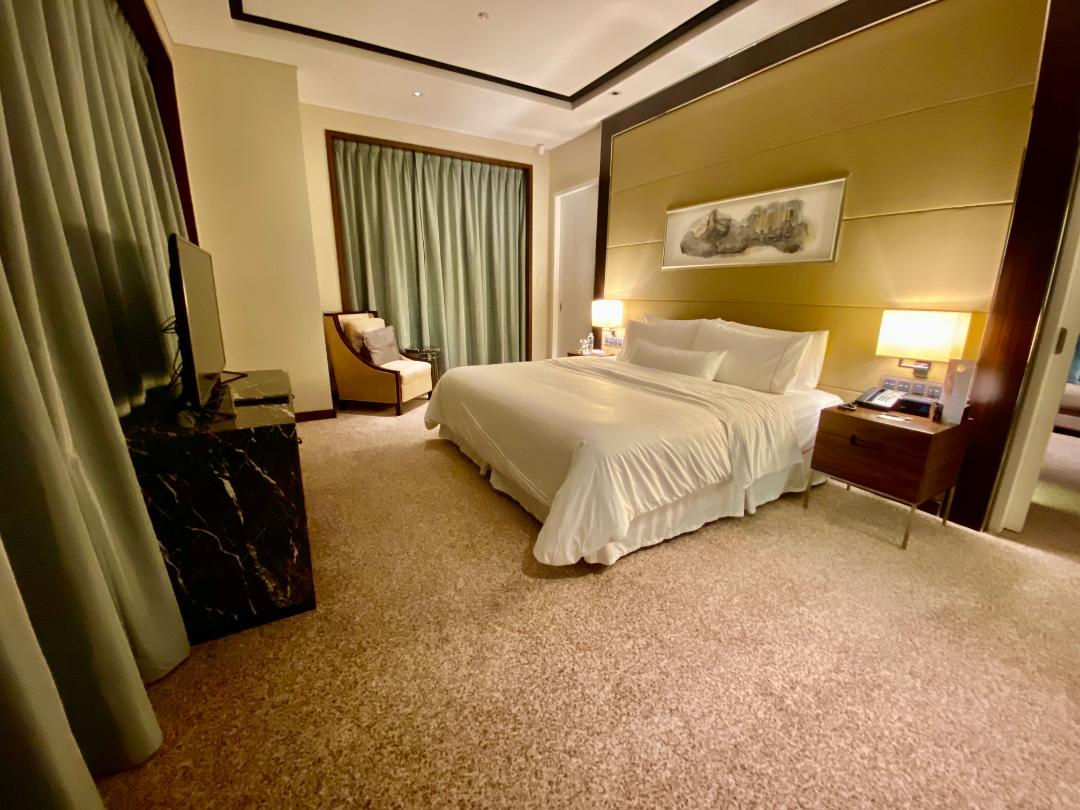 Bedroom, Executive Suite, The Westin Singapore
