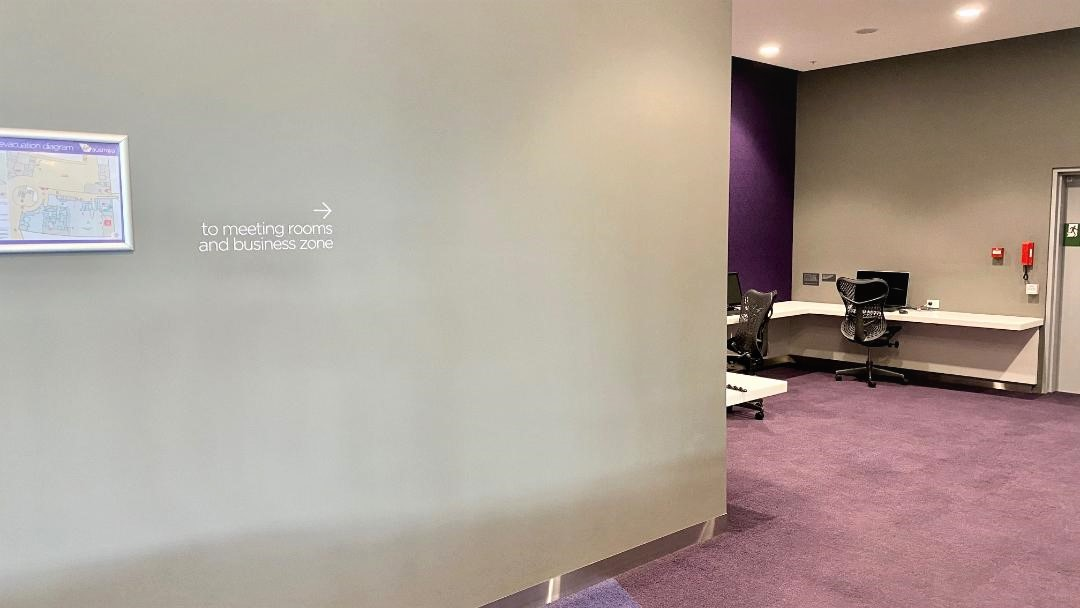 Directions to the business zone, Virgin Australia Lounge - Perth Airport