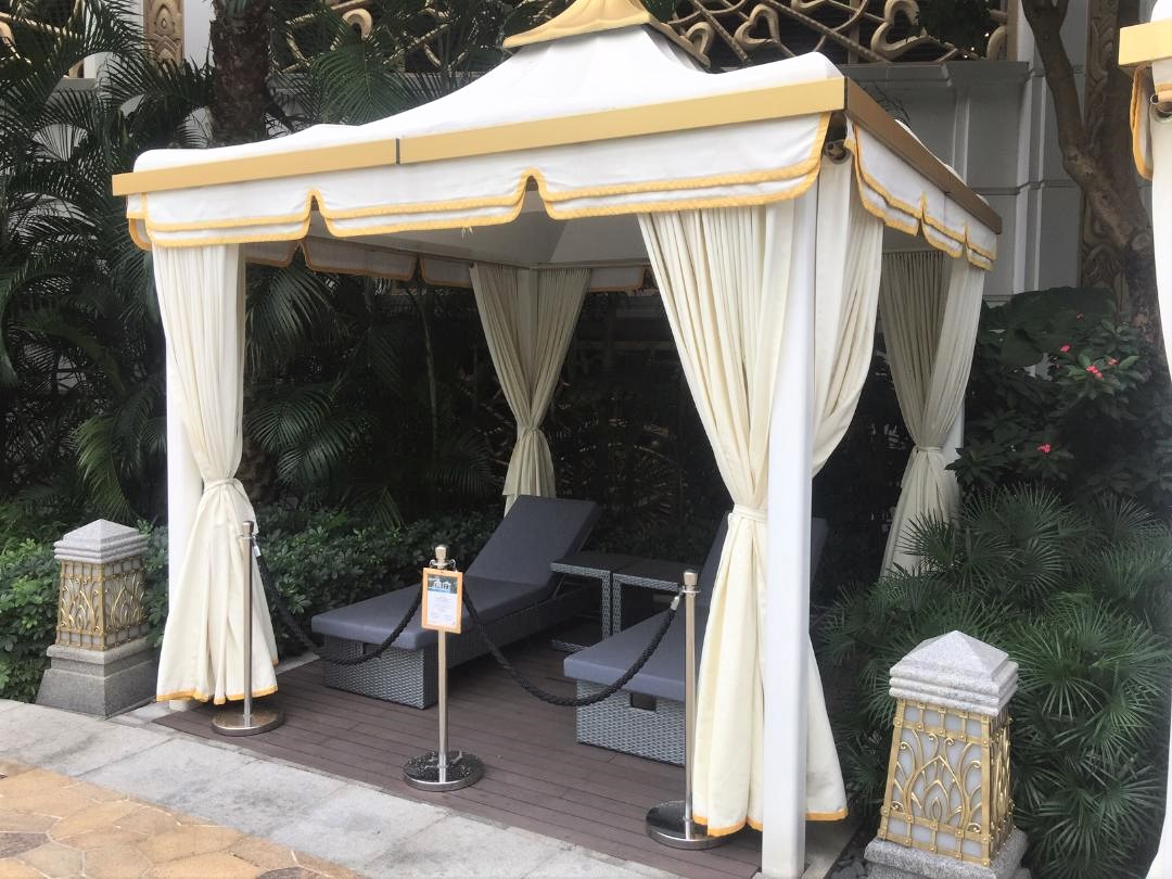 JW Marriott Macau, Poolside cabana's