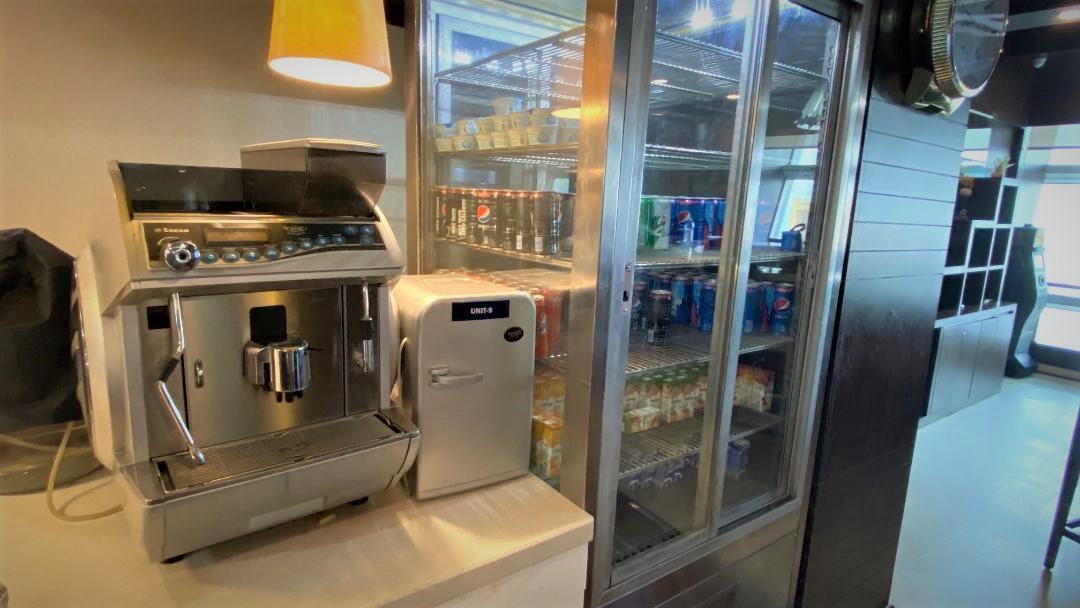 Coffee Machine, Air Vistara Lounge Delhi Airport