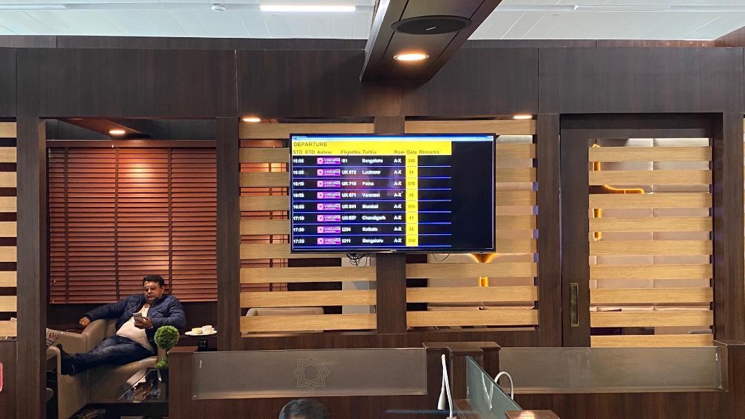 Flight Display Board, Air Vistara Lounge Delhi Airport