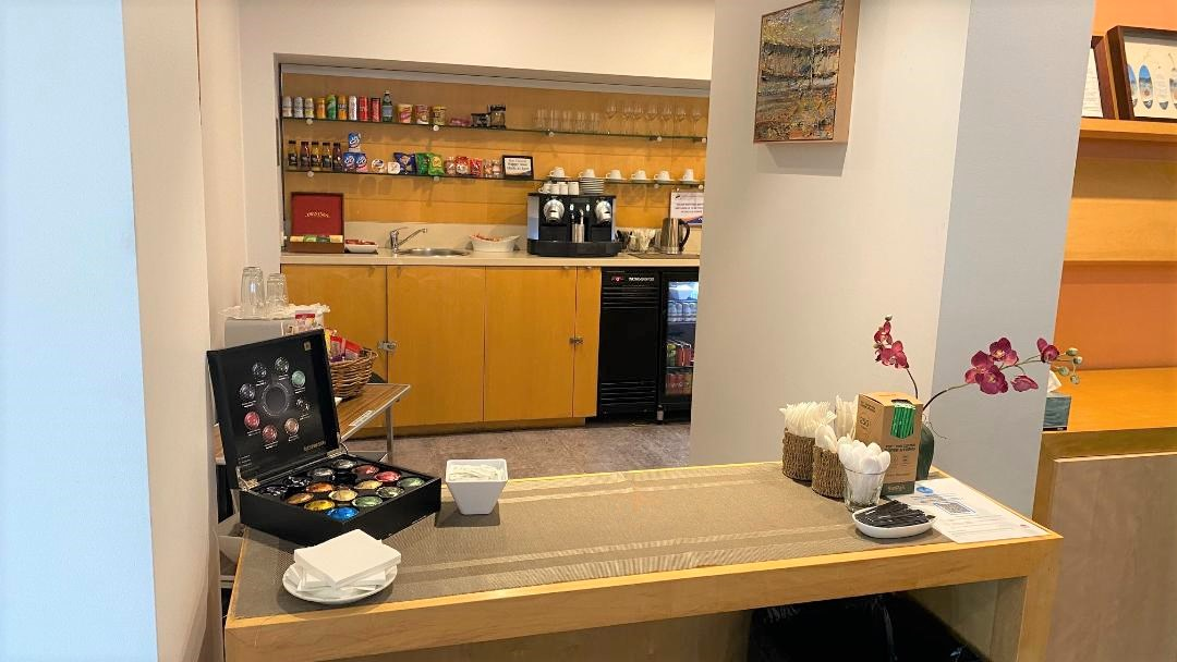 Food & Drinks Area, Rex Lounge - Sydney Airport