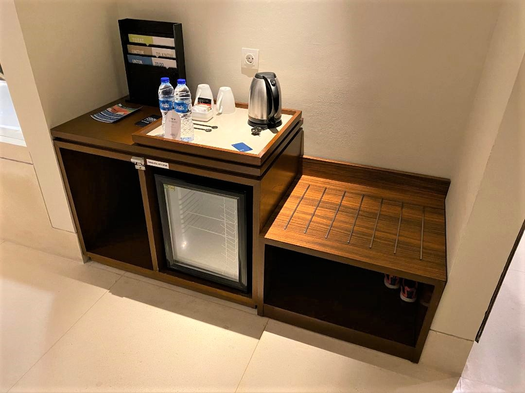 Fridge & Luggage Shelf