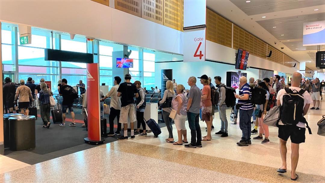 Gate 4, Sydney T3