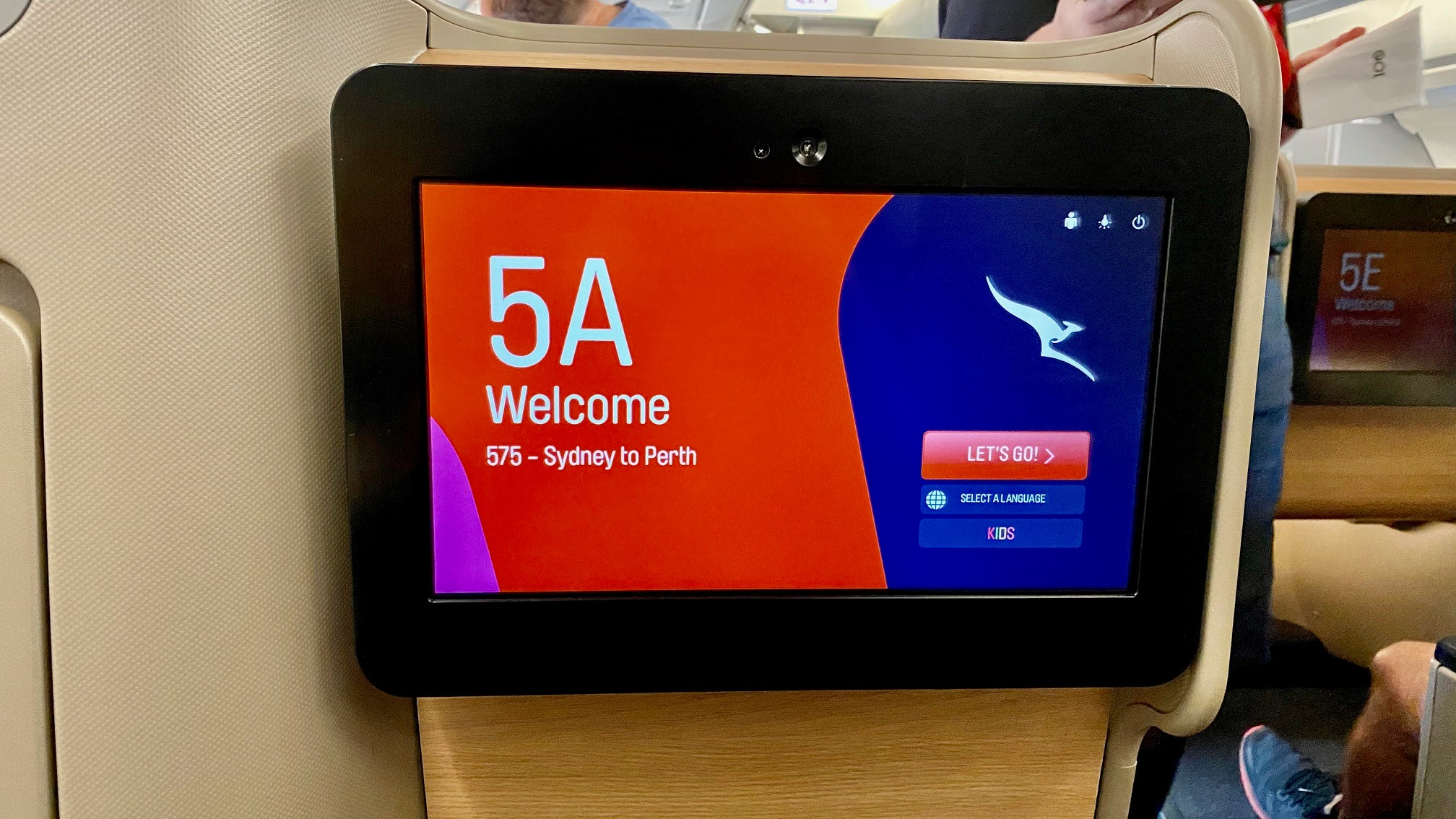 Qantas A-330 Business Class IFE Screens