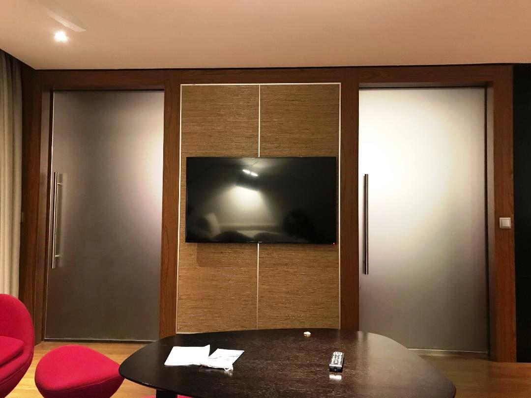 Doors between Living room and bed room, The Voyager Suite