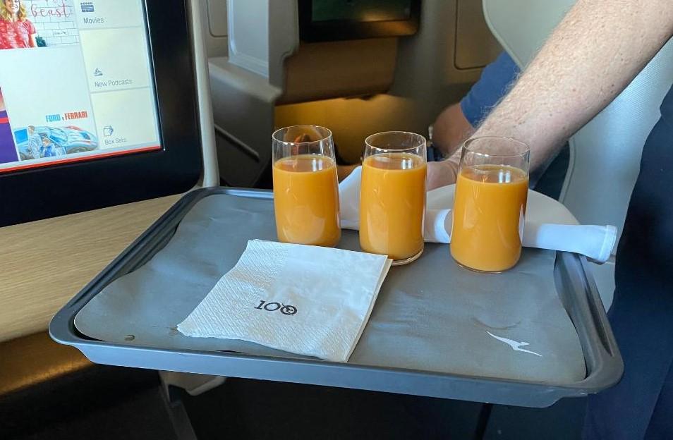 Qantas A-330, Business Class Cold-pressed Juice