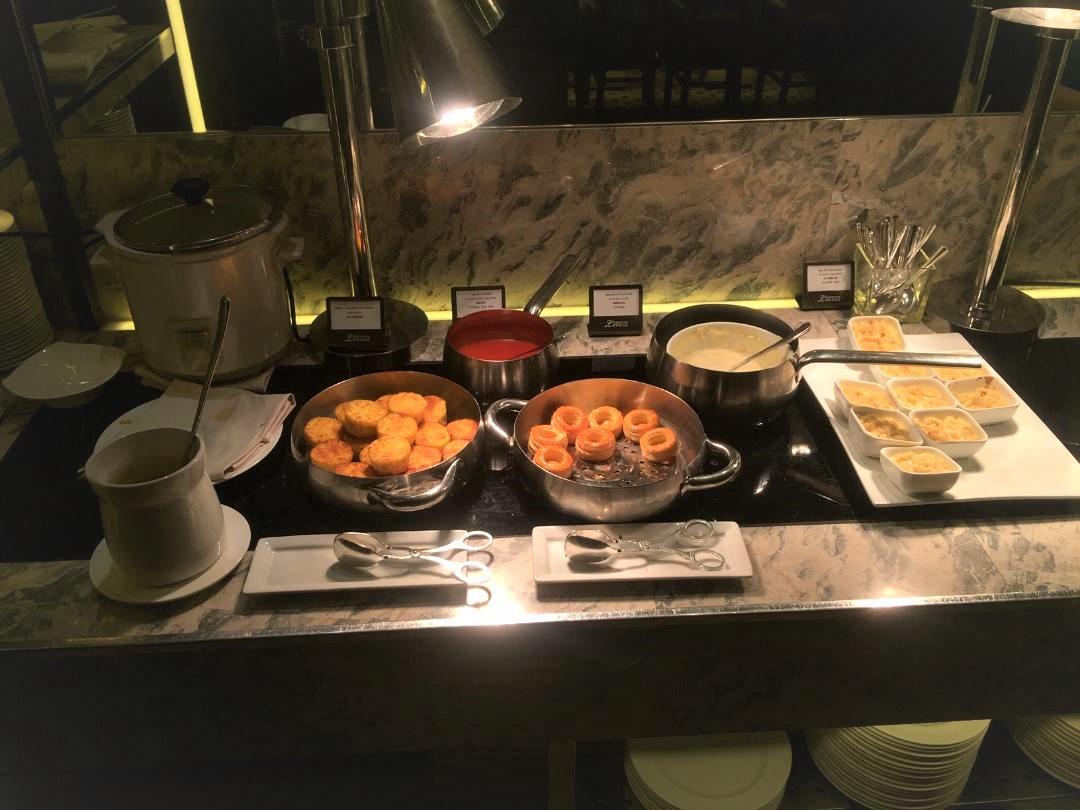 Executive Lounge Food, Conrad Hong Kong