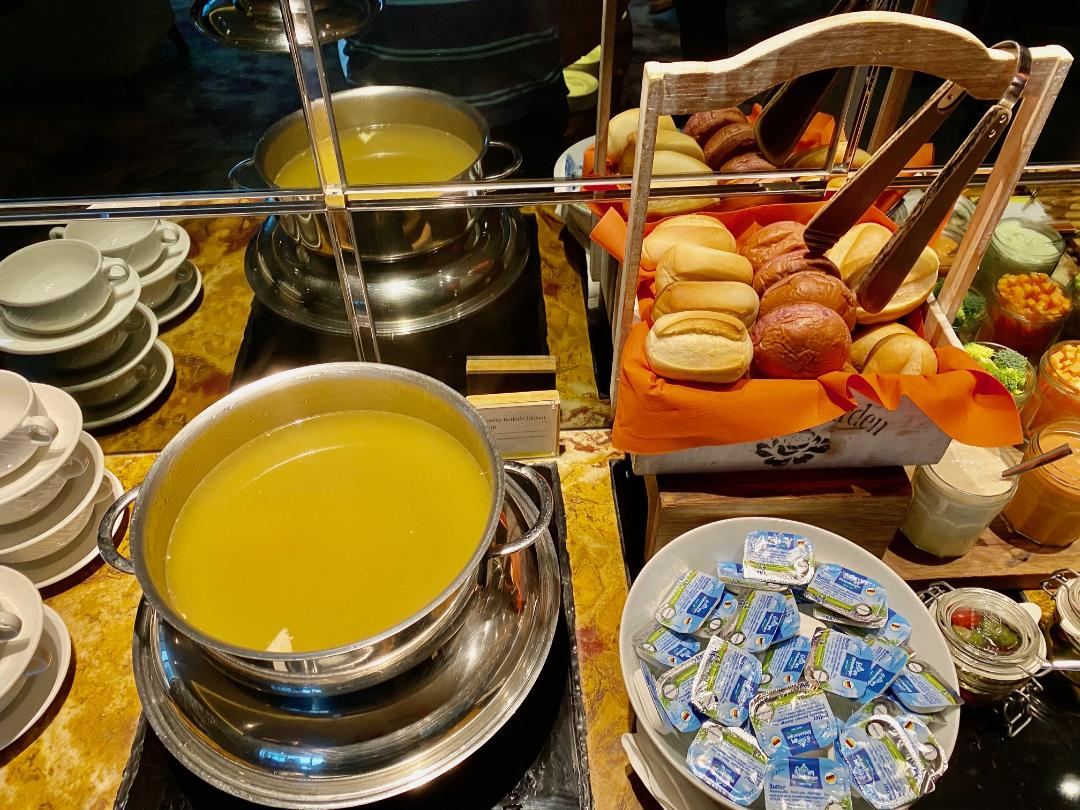 Soup & Bread rolls at the Executive Lounge, The Westin Singapore