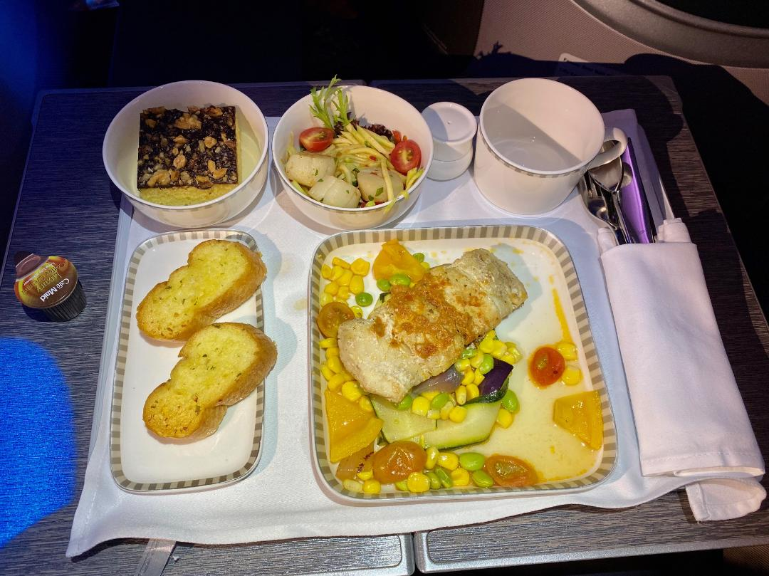 Business Class Lunch on Singapore Airlines B787-10