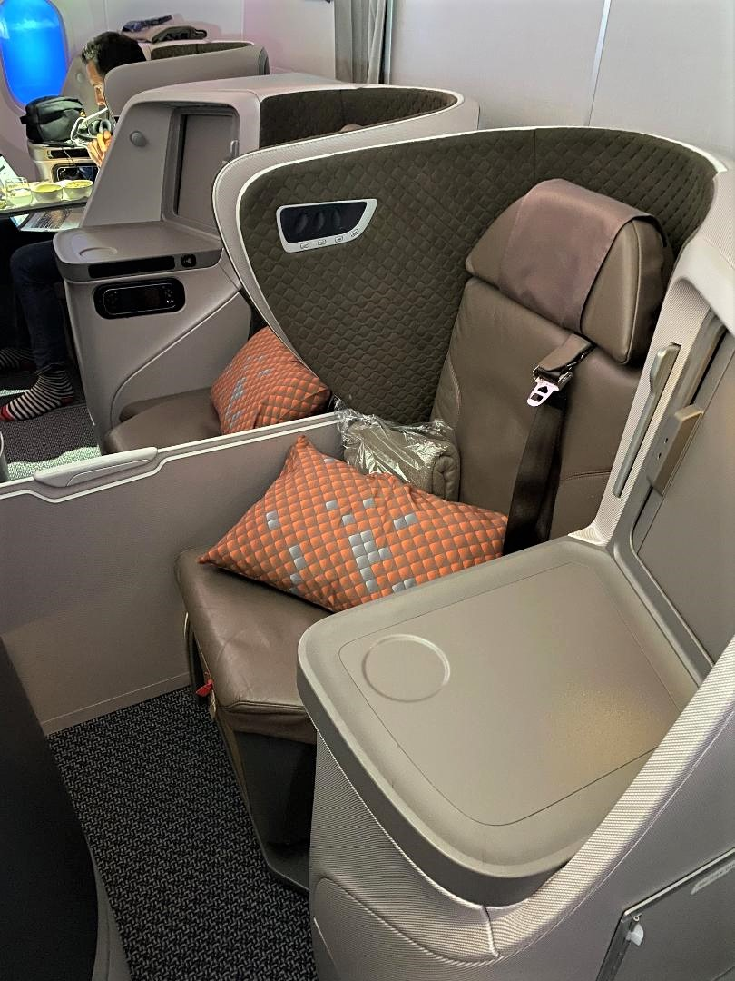 Middle Seats on Singapore Airlines B787-10