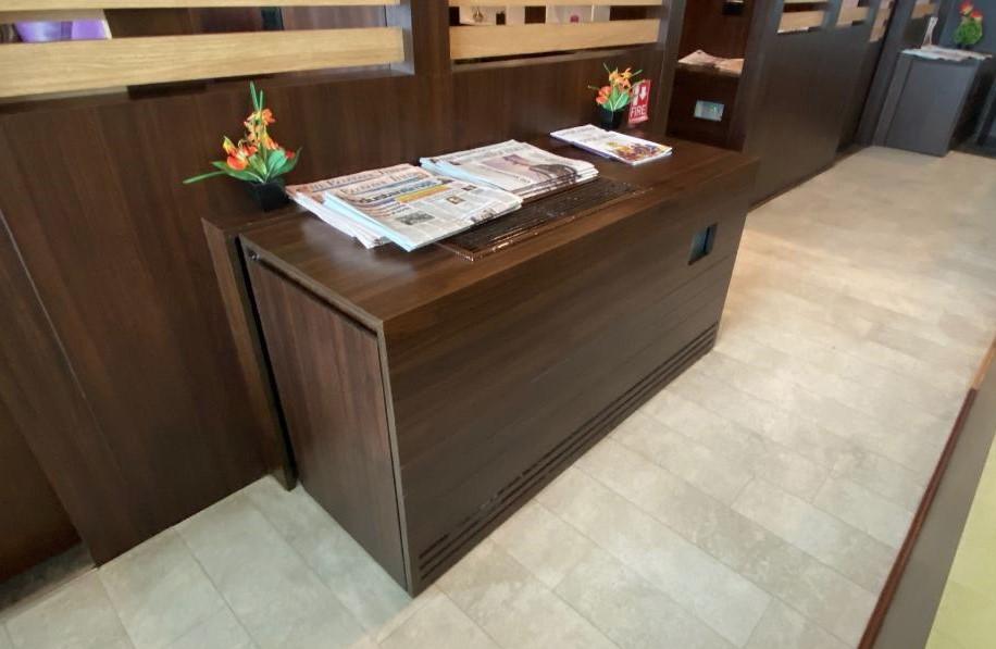 Newspapers, Air Vistara Lounge Delhi Airport
