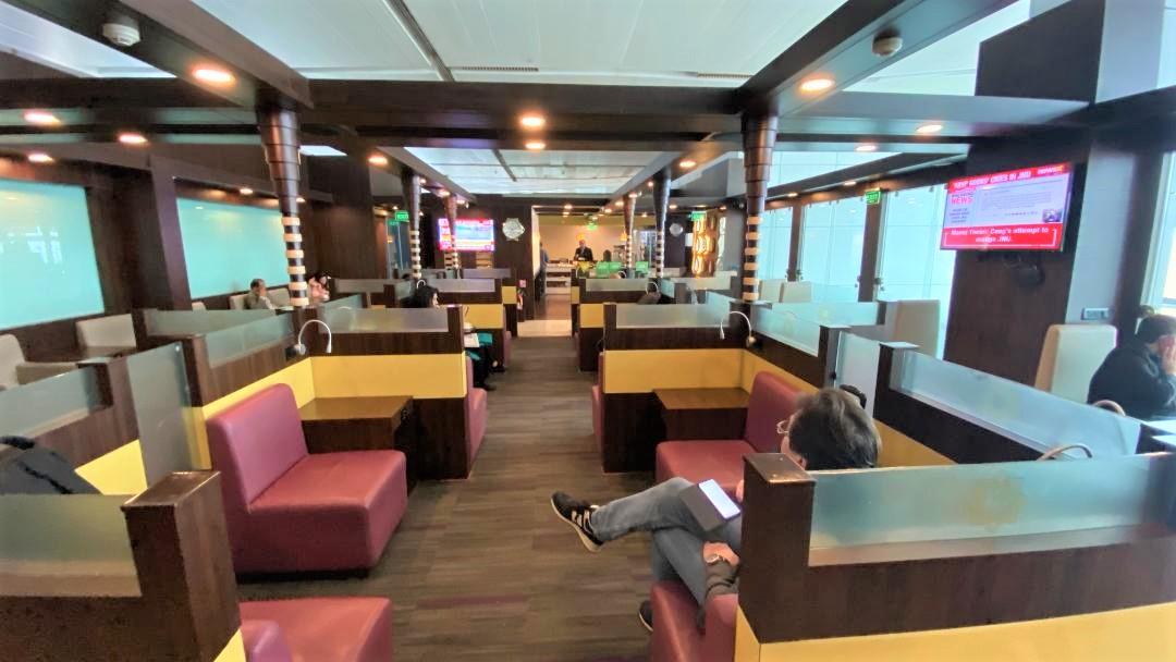 Quad Seating, Air Vistara Lounge Delhi Airport
