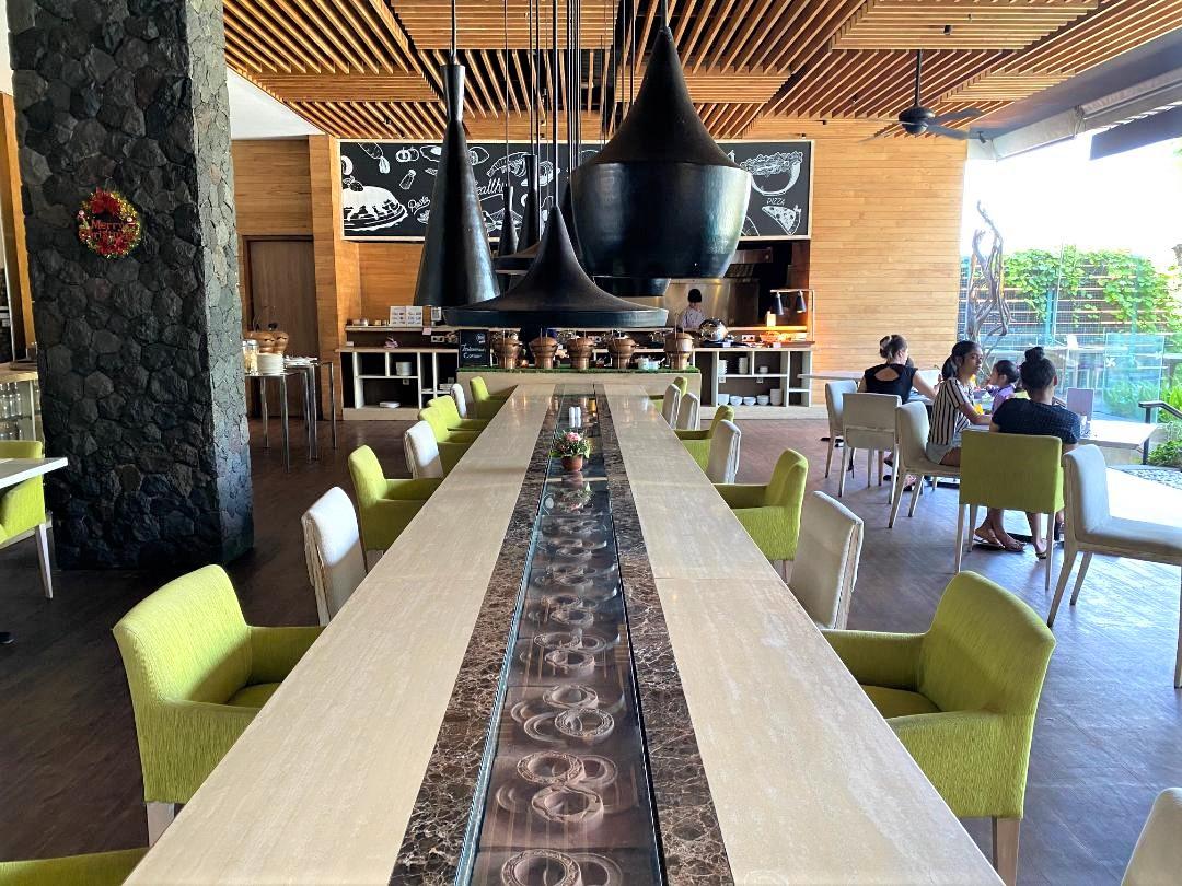 Seating at Devali, Four Points by Sheraton Bali, Seminyak