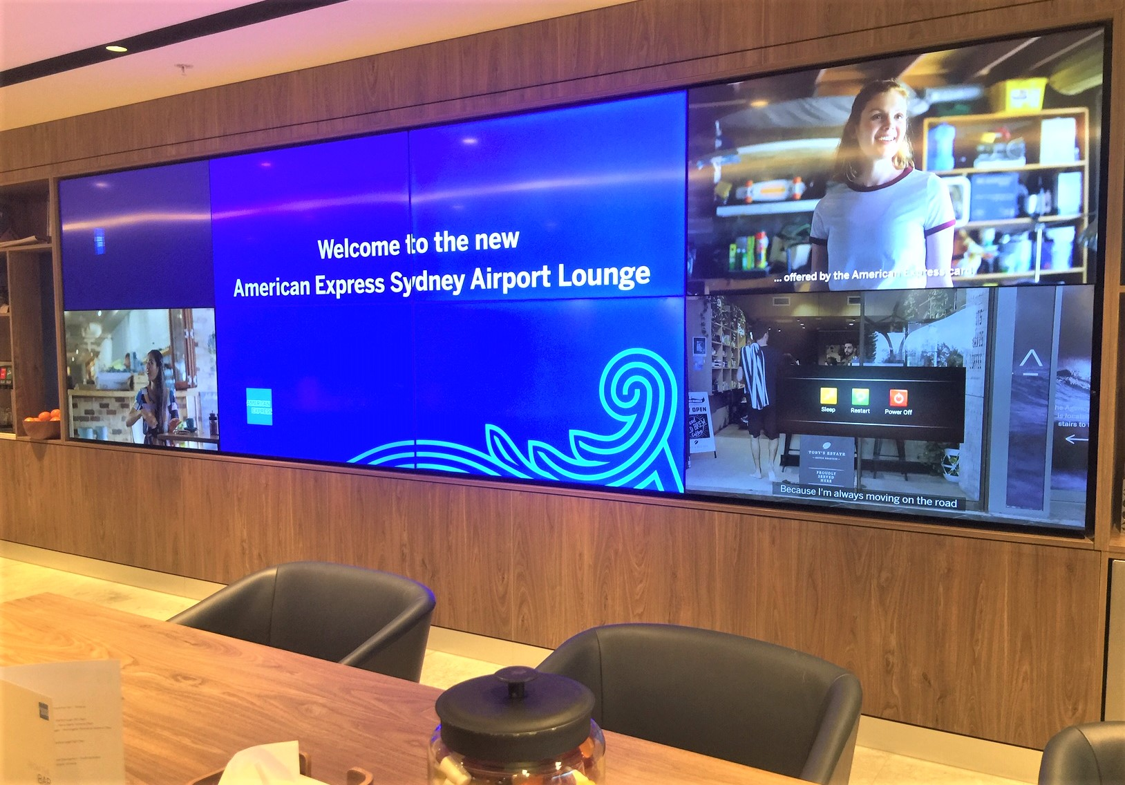 Giant Screen, American Express Lounge, Sydney T1
