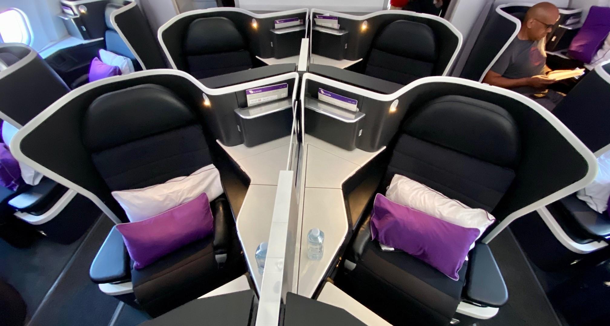 Virgin Australia A-330 Business Class, Middle Seats