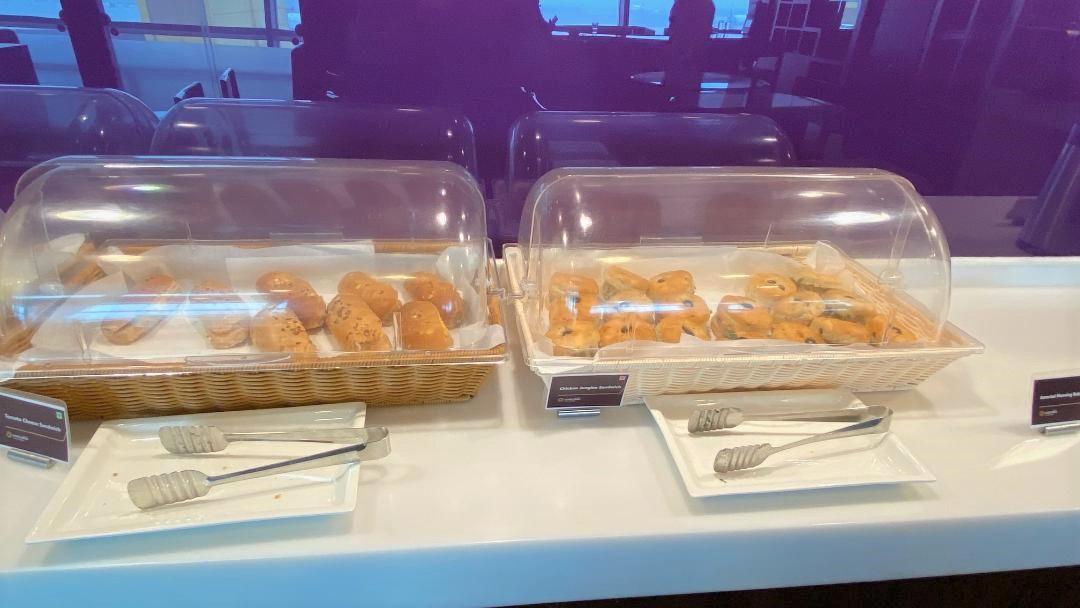 Breakfast, Air Vistara Lounge Delhi Airport