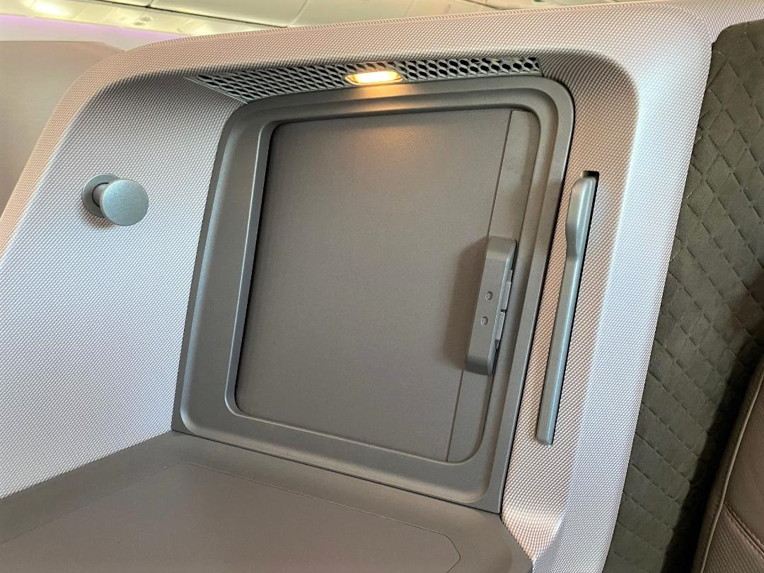 Shuttered Storage on Singapore Airlines B787-10 Business Class Seat