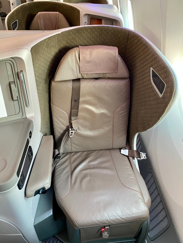 SQ B787-10 Business Class Seat