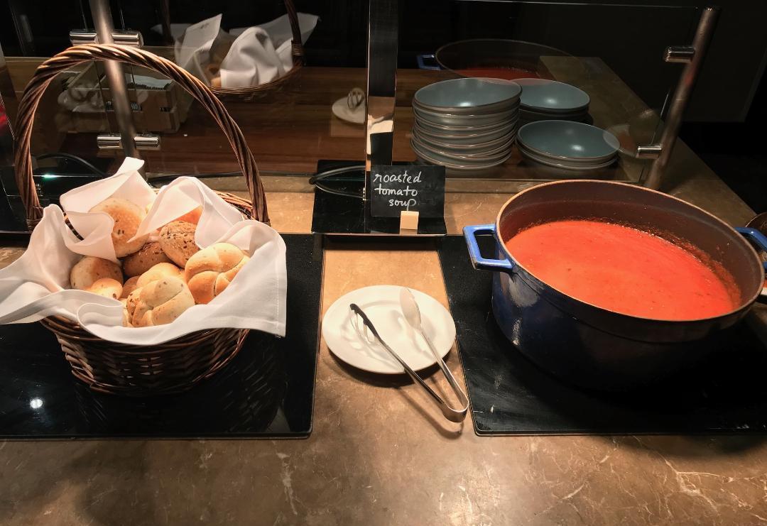 Executive Lounge, Soup & Bread