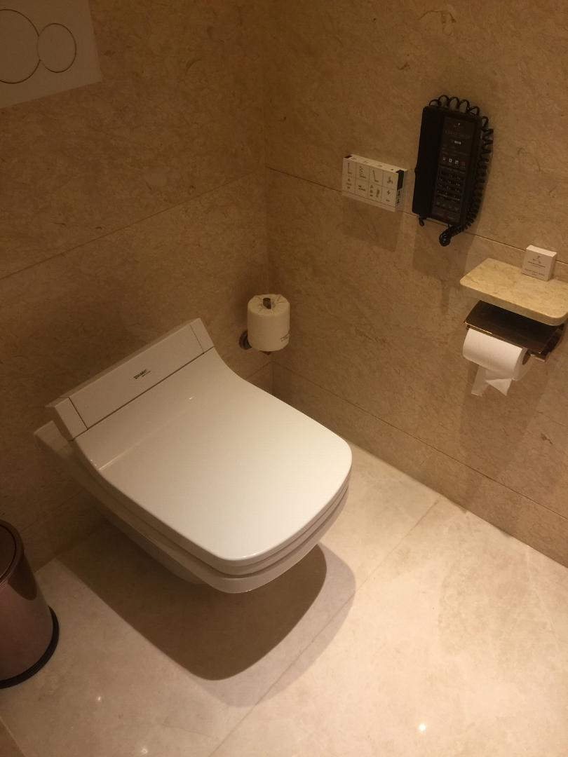 JW Marriott Macau, Executive Suite Toilet