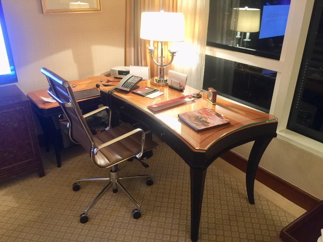 Work Desk, King Deluxe Room, Conrad Hong Kong