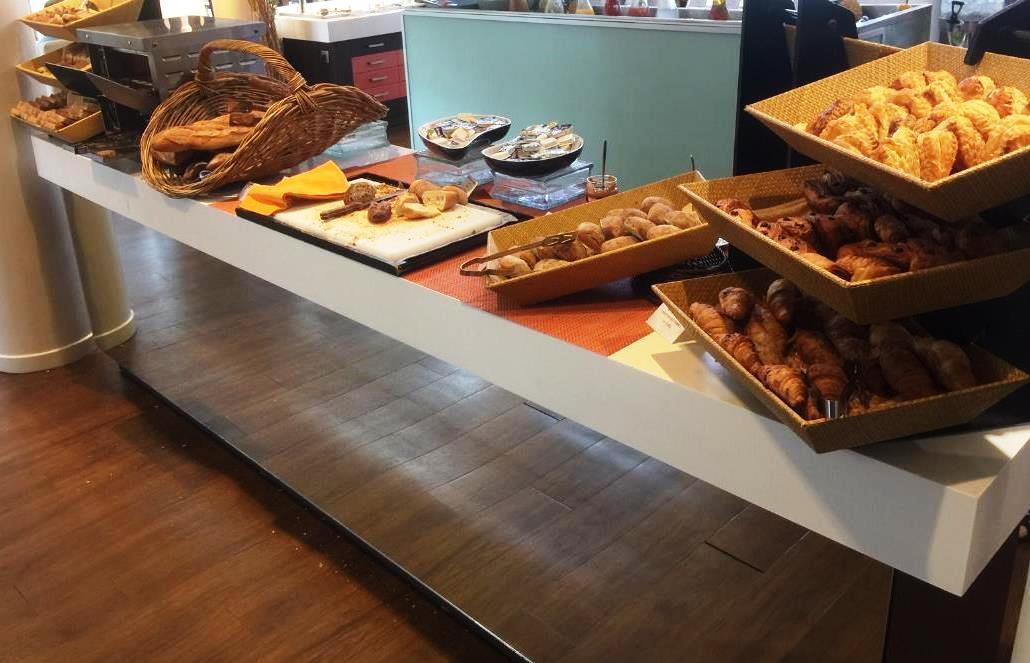 Breakfast at Le Sextant, Le Meridien Noumea