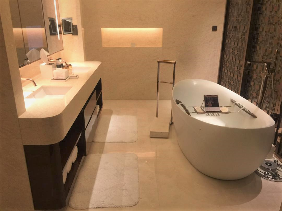 JW Marriott Macau, Executive Suite Bathroom