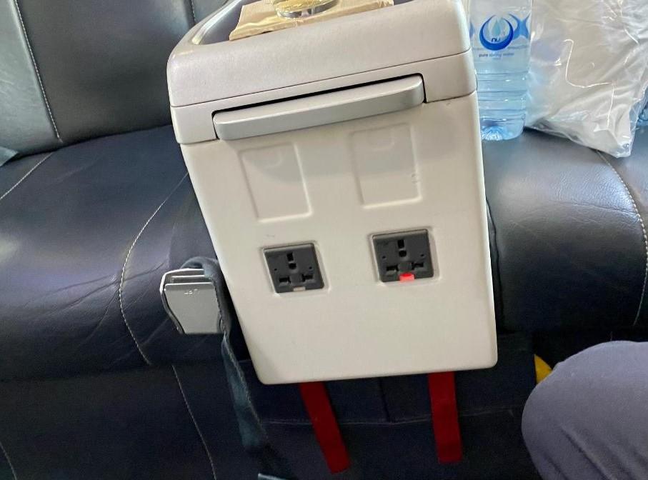 In-seat charging on Virgin Australia B-737